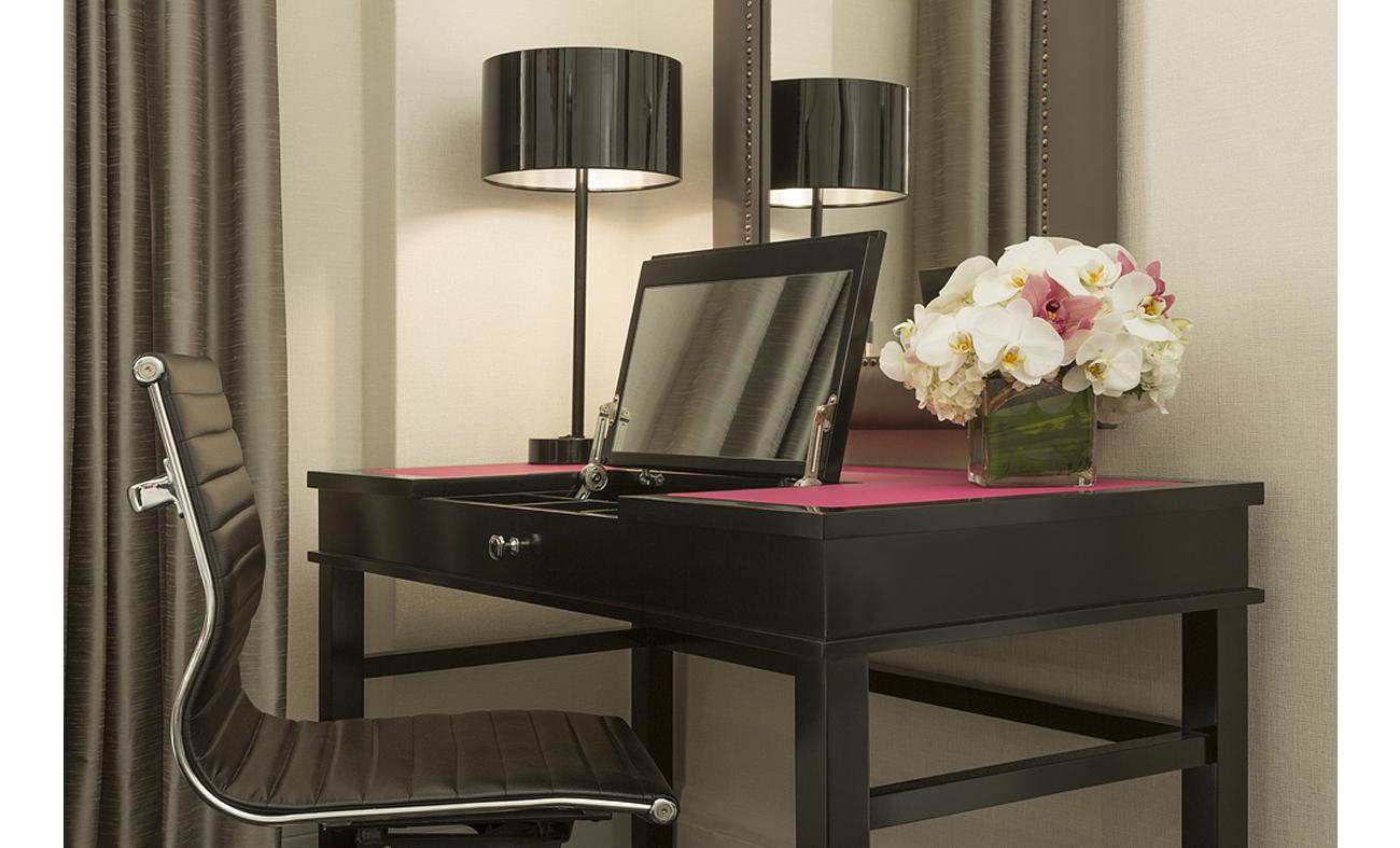villa florence forrest perkins defining luxury. Black Bedroom Furniture Sets. Home Design Ideas